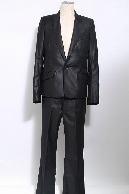 GOSTAR DE FUGA スーツ.セットアップ