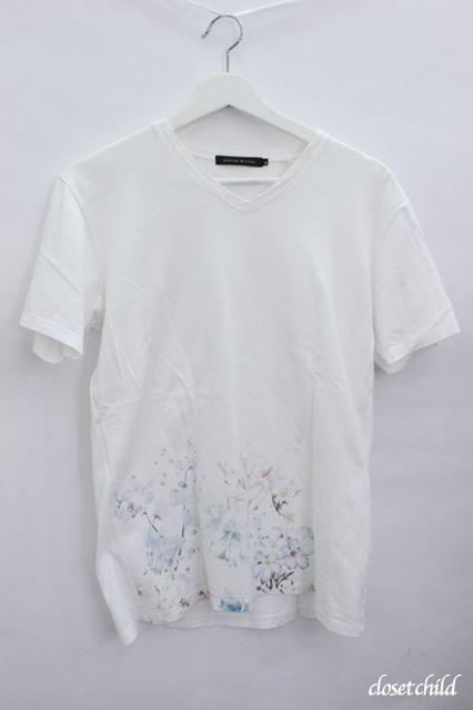 GOSTAR DE FUGA Tシャツ.裾フラワープリントVネック
