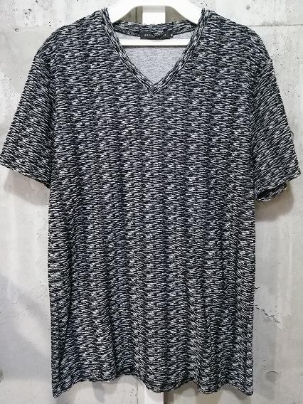 GOSTAR DE FUGA Tシャツ.Buffering ランダムパイルVネック